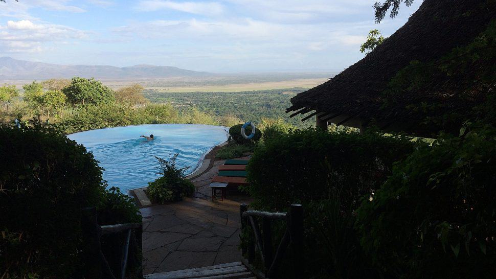Lake Manyara pool på safarin
